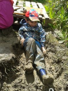MUD PITS FOR ALL! Messy muddy outdoor play for kids!